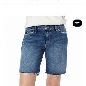 Size: 31 LEVIS women Vintage short